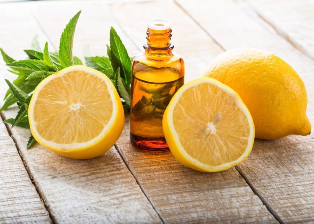 Lemon Essential Oil (Medium)